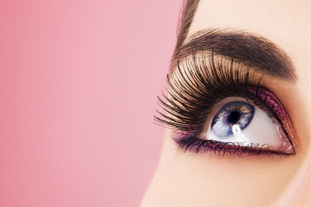 eyelash-extensions-for-fabulous-eyes-on-prom-night-1024x682